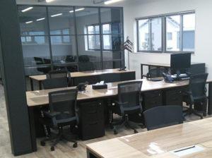 株式会社 エグチ 様の社屋新築工事に伴い備品の新設・配線工事 PC新設を弊社にて請負わせていただきました。